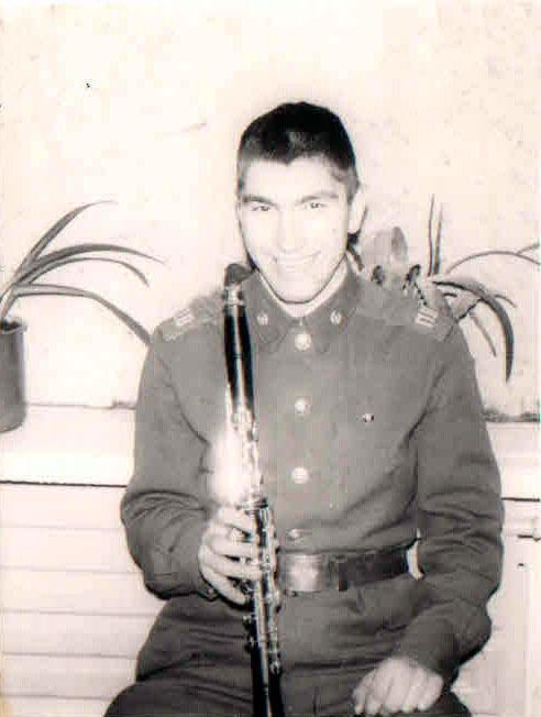 Первый духовой инструмент - кларнет.